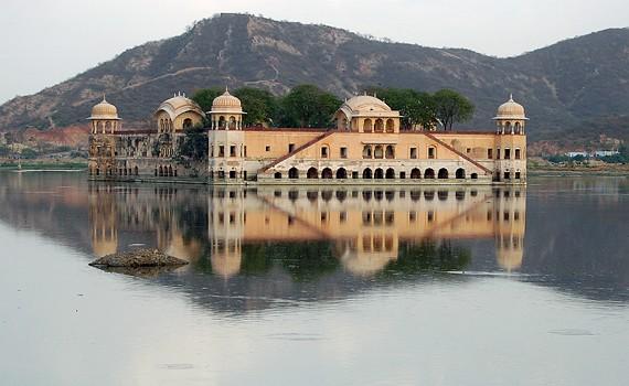 Прогулка в Джал-Махал — дворец на воде